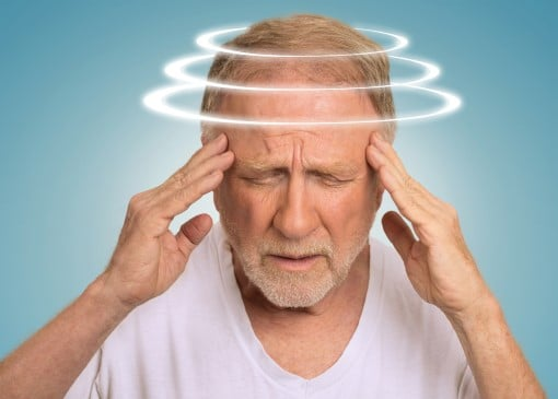 picture of older man dealing with sleep apnea and dizziness