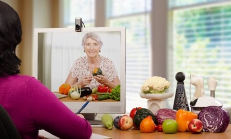 picture of nutrition coach on computer screen which is similar to an online sleep coach