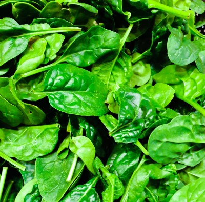 photo of iron rich spinach which may help moms stay awake at work while pregnant if they're anemic